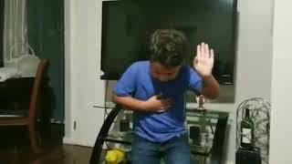 Niño Cantando Asesina De Zacarías Ferreira