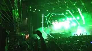 EDC Chicago 2013 - W&W Live Day 2- Armin Van Buuren - This Is What It Feels Like (W&W) w/ FIREWORKS