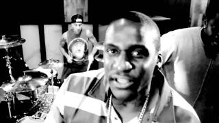 Travis Barker Feat. The Clipse- Come and Get It [Official Video] HD