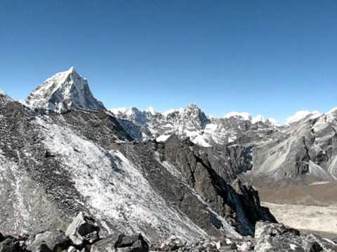 Going up Kongma La Pass in Nepal