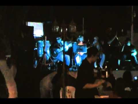 Bar Pacuso de Los Abandonados Letra y Video