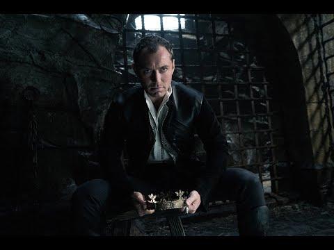 Rey Arturo: La Leyenda de Excalibur - Clip 'Os equivocáis de hombre' - Castellano HD