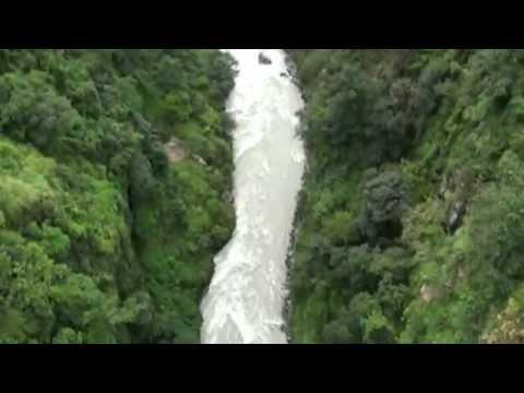 Moustafa Abar – Canyon Swing Jump – Nepal