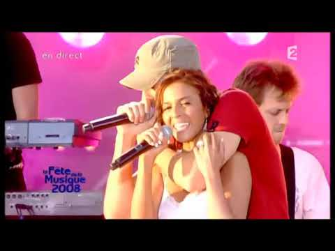 Enrique Iglesias Feat. Nadiya – Tired of Being Sorry (LIVE) Féte de la Musique 2008