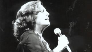 Amália Rodrigues - Estranha Forma De Vida.