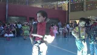 Jardim de Infância Padre Eustáquio - Festa Junina 2013 - 1º Período