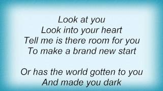 Keri Noble - Look At Me Lyrics