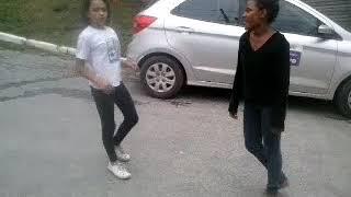 Briga de Duas meninas de13 anos