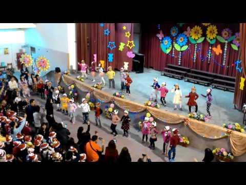 基隆市東信國小幼兒園白免班105年歲末表演
