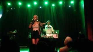 Karol Conka - Pour it Up (Rihanna Cover) 28/09/13 @ Granfinos - Belo Horizonte