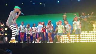 Pharrell Williams - Happy - Milano - Concerto Assago Forum Summer Arena 12 07 2016
