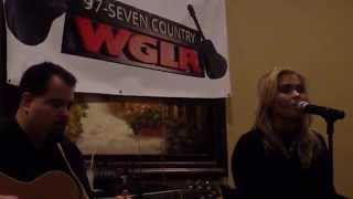 """Rachel Holder performs """"In Your Arms"""" at WGLR's """"Meet & Eat"""" event"""