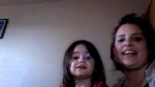 Tatiana sa petite soeur chant la reine des neige