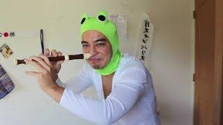 Salamander Man plays the Jurassic Park Theme