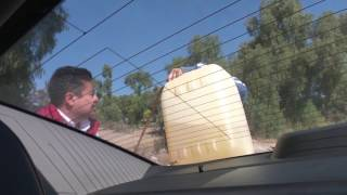Venta de gasolina por huachicoleros