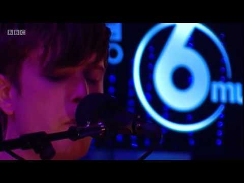 james-blake-life-round-here-come-thru-live-at-bbc-6-music-festival-2014-on-james-blake