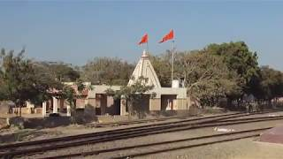 SAURASHTRA MAIL arriving at the OKHA RAILWAY STATION, Gujarat! width=