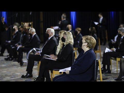 Almanya'da Covid-19'dan ölen 80 bin kişi için özel anma töreni