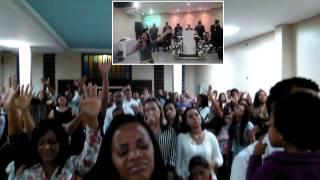 Cantora Thaique- Deus vai Fazer ao vivo