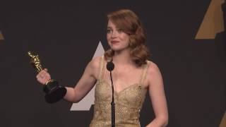 Emma Stone reacts to Oscar's blunder - Full backstage Interview