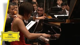 Yuja Wang - Piano Concerto No. 3 - Rachmaninov - Dudamel (Official Video)