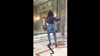 A Maluquinha Da Carol Dias Dançando ! Quebrando o gelo . Catálogo Afront Jeans ! @caio_mello