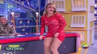 Valentina mostra a buceta ao vivo no programa do ratinho