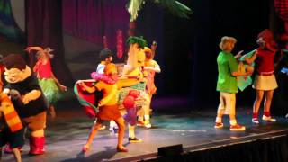 Phineas & Ferb Live In Las Vegas. Ferb gets it down!!