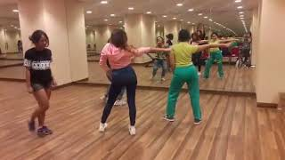 Zalfa, Fara, Key B & Chindy SOUL SISTERS latihan lagu Cheap Thrills by SIA
