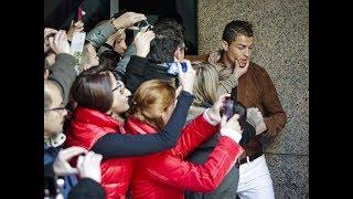 Veja o que acontece quando Cristiano Ronaldo sai para tomar um chazinho