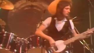 9. Lucille (Queen In Earls Court: 7/6/1977) [Filmed Concert]