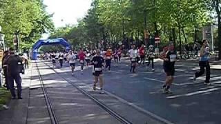 2011/04/17 維也納馬拉松 - 仙樂飄飄處處聞.AVI
