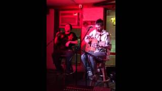 Blues Traveler - Hook Cover Performed at an Open Mic, absol