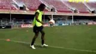 Ronaldinho - Cool Tricks