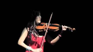 Lady in Red Yoomia modern violinist plays Piazzolla tango live improvisation !