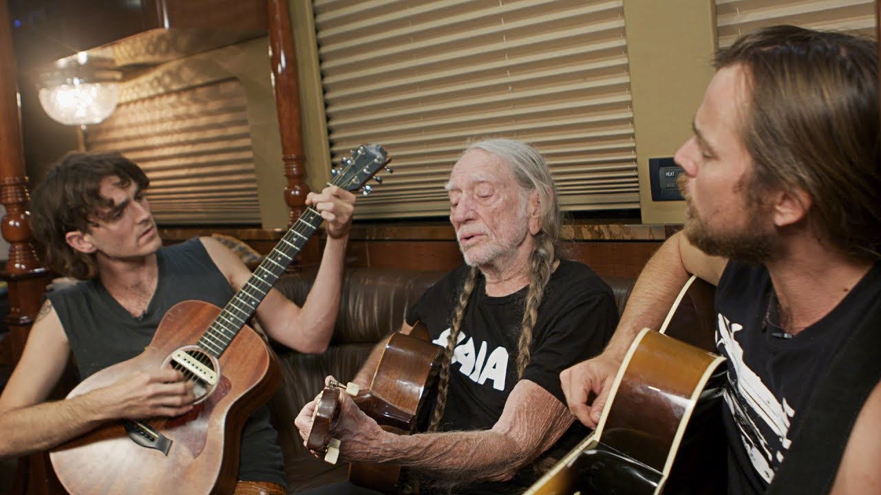 Willie Nelson Discounts Vivid Seats July