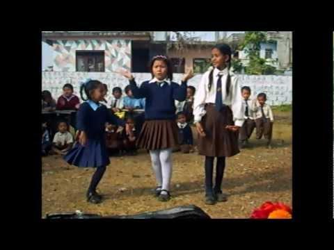 The namaste adventures of Eni & Csilla in Nepal in 2008..