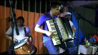 """Vanin do Acordeon no Kanoa Tocando """"Vira e Mexe"""" do Rei do baião Luiz Gonzaga."""