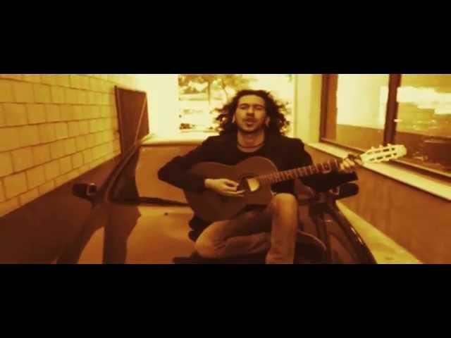 Videoclip ''Verborrea'', de Poncho K.