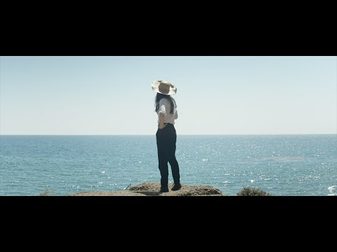 julia-holter-sea-calls-me-home-official-video-domino-recording-co