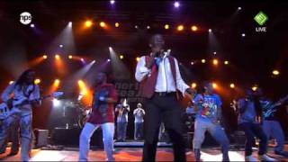 Earth Wind & Fire -  Sing a Song - North Sea Jazz 2010, Live