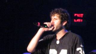 "Lil Dicky - ""Molly"" (Live in Providence)"