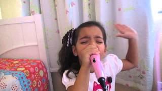 Maria Clara Com 3 Anos Cantando (deixar a lágrima rolar) Bruna Karla