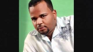 ABRAZAME -JULIO IGLESIAS--INTERP.POR JOSE MANUEL EL SULTAN   - YouTube.flv