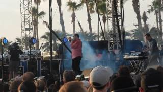 "Future Islands live ""Cave"" @ Coachella Outdoor Stage April 16, 2017"