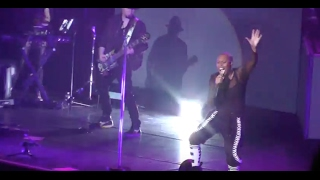 Skunk Anansie - Because Of You (Lotto Arena 03/02/2017)