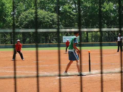 打擊都一直打高飛球但是守備好棒棒