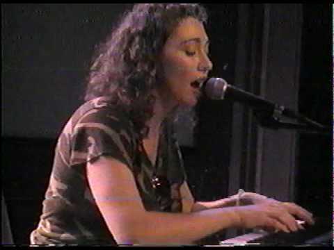 regina-spektor-making-records-2004-09-09-9-of-13-capnkoons