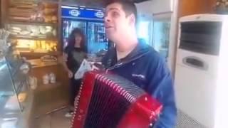 Αντώνης Μερακλής - Είσαι το λάθος της ζωής μου (live)
