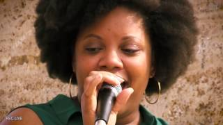 "Beyoncé - ""Cathedral Tower Medley"" by Vocal Trio - Berklee Valencia Campus Live Session"